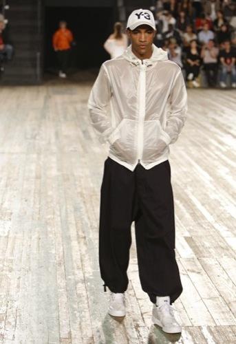 Y-3, Primavera-Verano 2010 en la Semana de la Moda de Nueva York VII