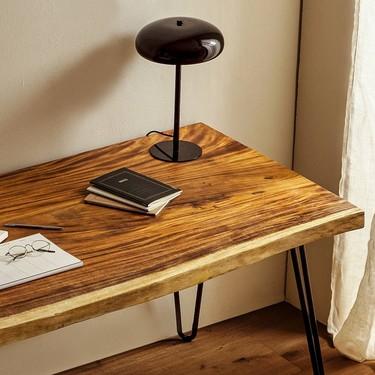 El catálogo de muebles de Zara Home sigue ampliándose cada semana y ya incluye, entre otros, una preciosa mesa para comer o unos bonitos taburetes para la cocina