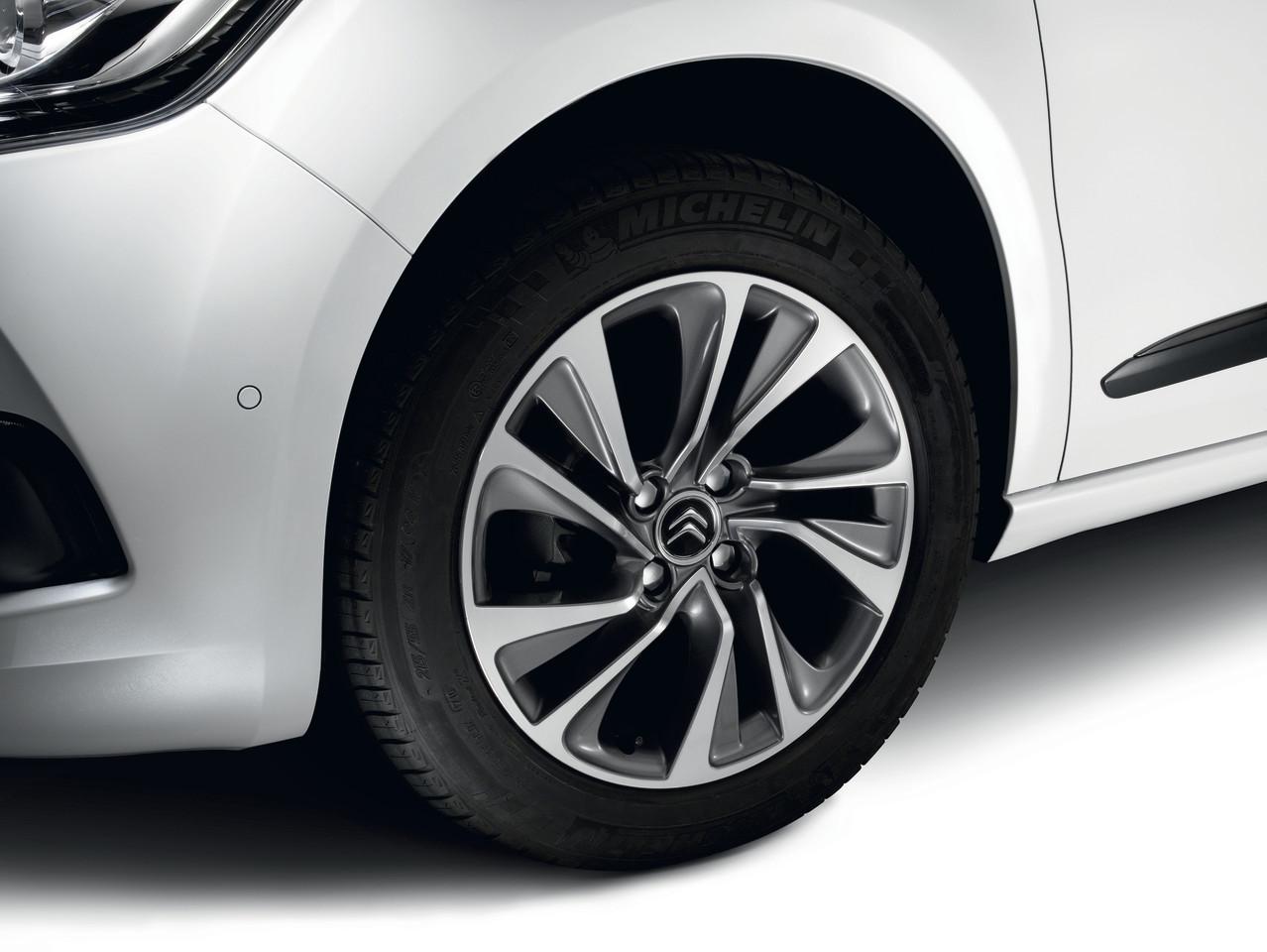 Foto de Citroën DS4 (33/111)