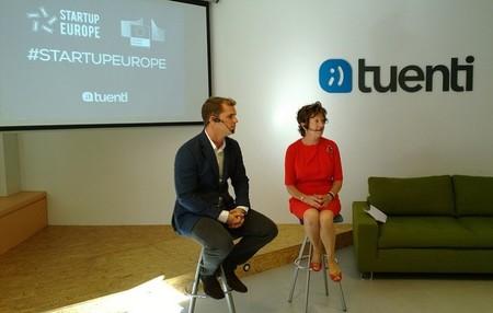 Neelie Kroes vicepresidenta de la Comisión Europea explica las oportunidades laborales que ofrecen Internet y las TIC