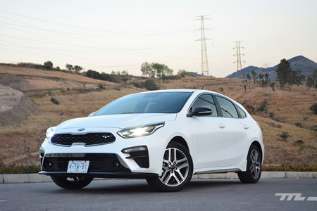 KIA Forte GT, a prueba: un hatchback que quiere ruborizar al GTI (+ video)