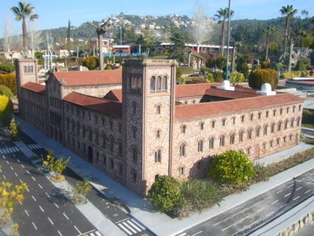 Catalunya En Miniatura Universitat De Barcelona