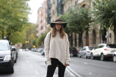 Clochet Streetstyle Celine Trio Bag Zara Oversized Knit Fedora Hat 4