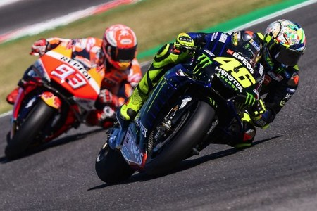 """Marc Márquez carga contra Valentino Rossi tras su encontronazo en Misano: """"Era imposible girar a esa velocidad"""""""