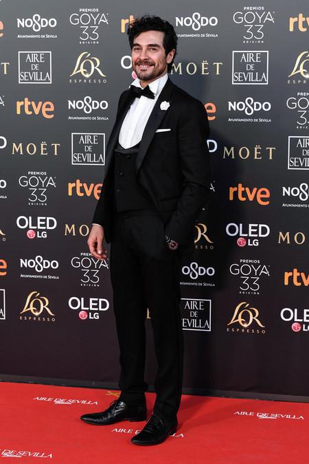 Jose Manuel Seda Abre La Alfombra Roja De Los Premios Goya Con Un Look Clasico Y Elegante 2