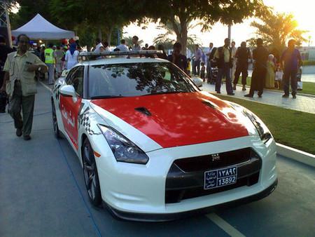 Nissan GT-R policial Abu Dhabi