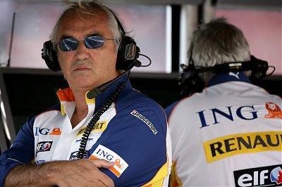 Renault sigue esperando a Fernando Alonso