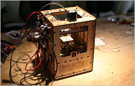 MakerBot, kit robótico que hace de impresora 3D personal