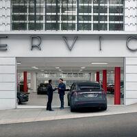 Tesla le pedía 22.500 dólares por cambiar una batería. Un taller independiente la arregló por 5.000 dólares