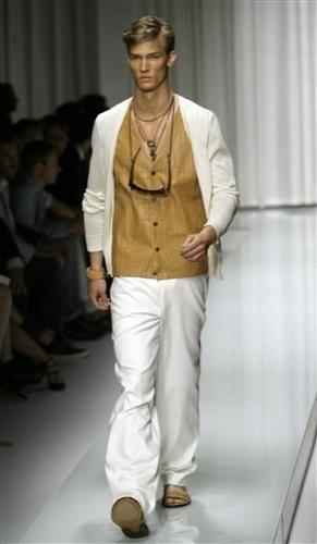 Versace, Primavera-Verano 2010 en la Semana de la Moda de Milán II