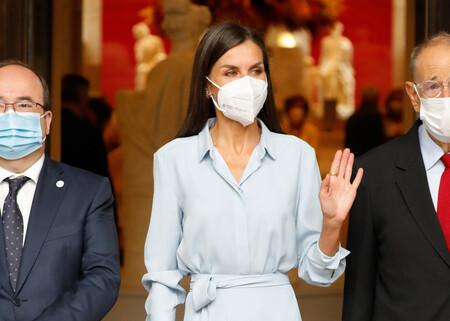 Doña Letizia tiene el vestido perfecto para los días de entretiempo