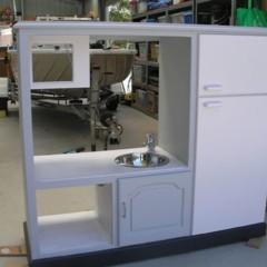 Foto 3 de 4 de la galería un-mueble-de-televisor-convertido-en-una-cocina-de-juguete en Decoesfera