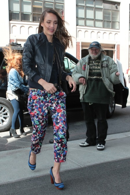 Jessica Alba street style 2012