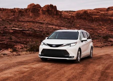 Toyota Sienna 2021 1600