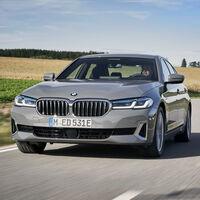 BMW 320e y BMW 520e son las nuevas versiones de entrada de estos híbridos enchufables