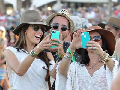 """Las celebrities conquistan la """"alfombra verde"""" del Coachella"""