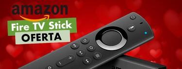 """Regalar una """"smart TV"""" en San Valentín es posible incluso si vas corto de presupuesto: Amazon te deja el Fire TV Stick por sólo 29,99 euros"""