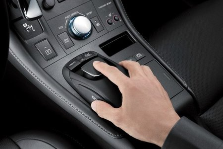 Lexus CT 200h Remote Touch
