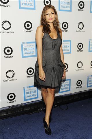 El look de Eva Mendes en el Premio Smithsonian's