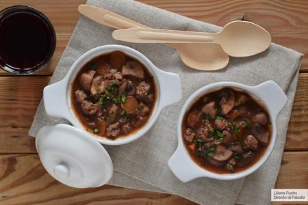 Bourguignon de setas y soja texturizada: receta vegana para mojar pan
