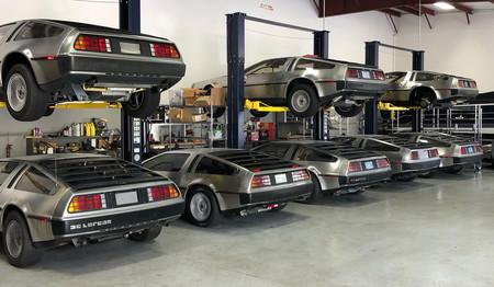 ¿Qué hacen todos estos Delorean DMC-12 amontonados en un garaje de Florida?