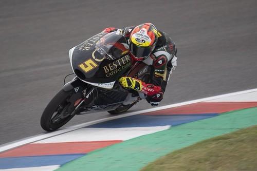 Jaume Masiá se lleva el GP de Argentina de Moto3 en una infartante última vuelta con 17 pilotos luchando por ganar