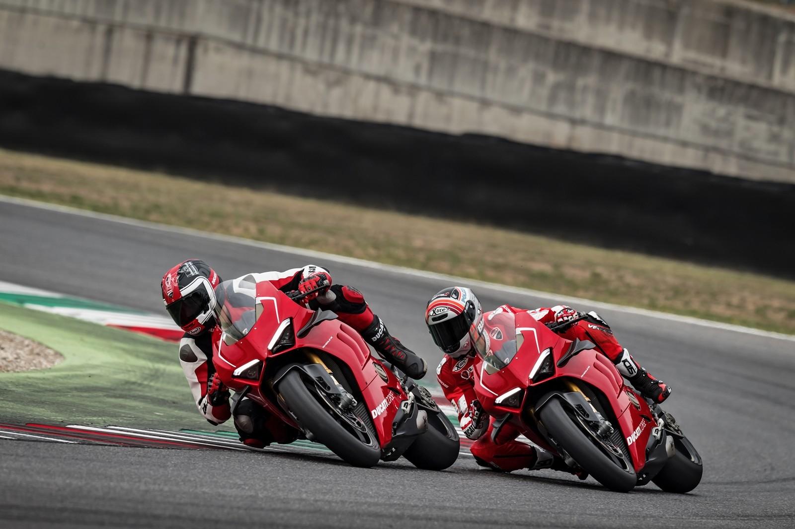 Foto de Ducati Panigale V4 R 2019 (19/87)