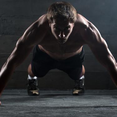 Nuestra selección de 27 rutinas antiexcusas: para trabajar el cuerpo en poco tiempo, sin equipamiento y donde quieras