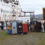 Un grupo de personas descubren y recuperan en un barco abandonado más de 50 máquinas recreativas