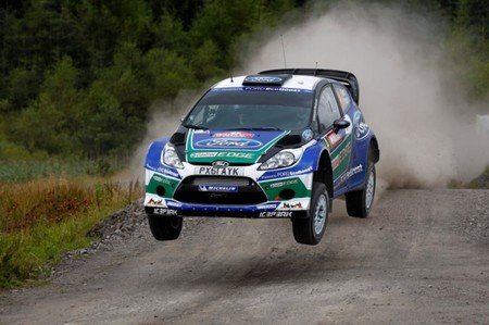 Rally de Gales 2012: Jari-Matti lidera en un comienzo muy apretado