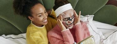 Nueve mascarillas faciales con dibujos que te harán soltar una carcajada mientras te cuidas la cara