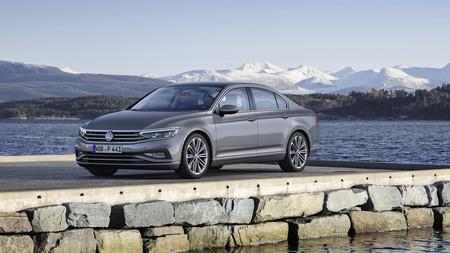 El Volkswagen Passat 2019 estrena conducción semiautónoma para el Salón de Ginebra