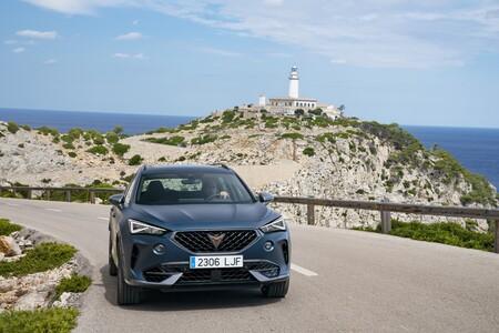 Los coches mejor valorados por los españoles: CUPRA Formentor, Peugeot 308 y Audi e-Tron GT triunfan