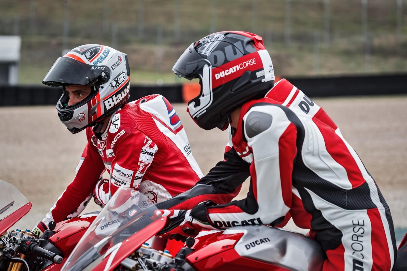 Foto de Ducati Panigale V4 R 2019 (46/87)