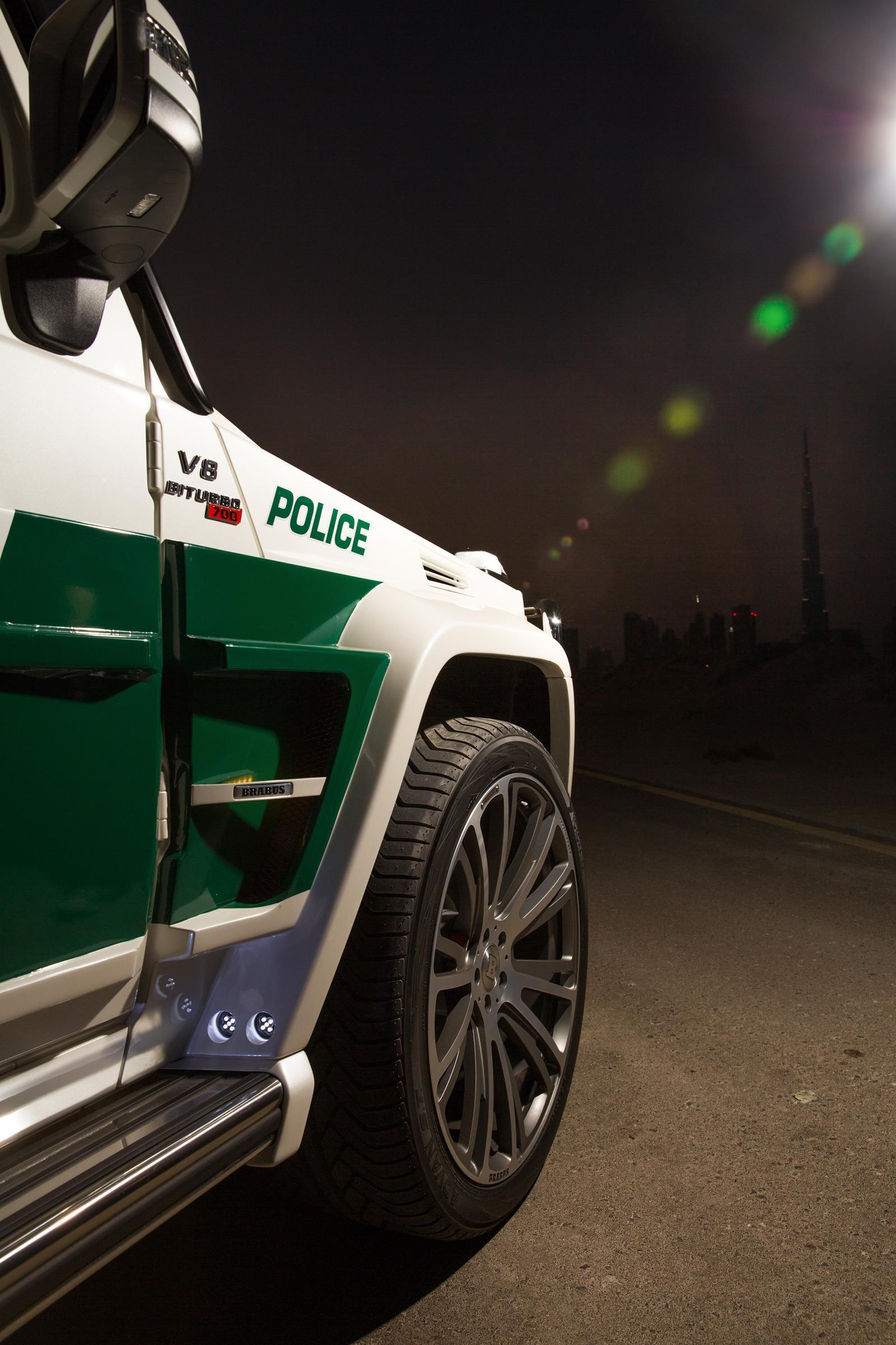 Foto de Brabus B63S–700 Widestar Policía Dubái (15/30)
