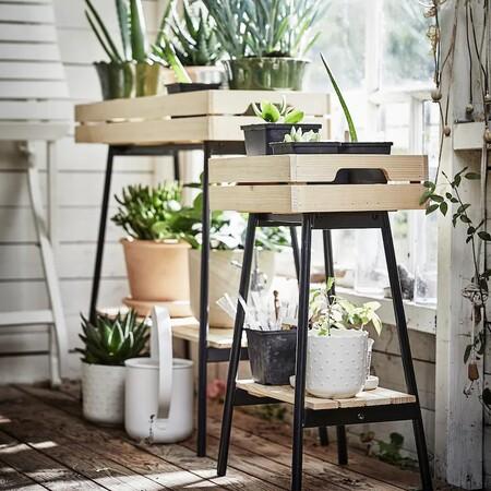 Estas son las nuevas macetas y soportes para plantas de Ikea con las que crear un bonito rincón verde en casa
