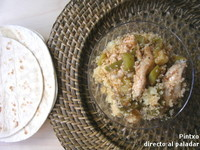 Pechugas de pollo (o restos de pollo asado) con sémola. Receta