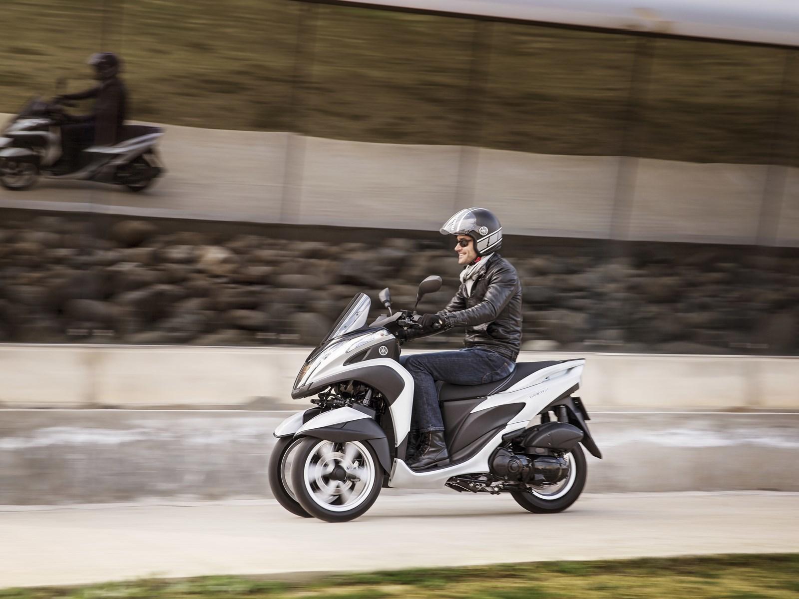 Foto de Yamaha Tricity 125 cc acción (9/21)