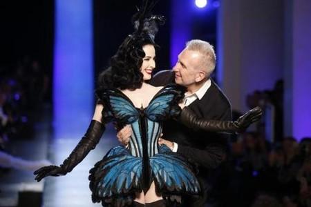 Dita von Teese, la mariposa de Jean Paul Gaultier en su desfile de París