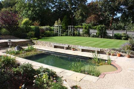 C mo conseguir una piscina ecol gica for Construccion de piscinas naturales ecologicas
