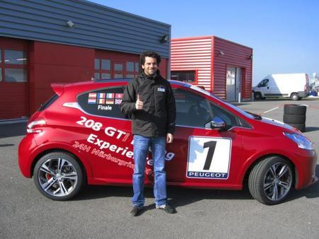 Gonzalo Martín de Andrés disputará las 24 horas de Nürburgring gracias a la Peugeot 208 GTi Racing Experience