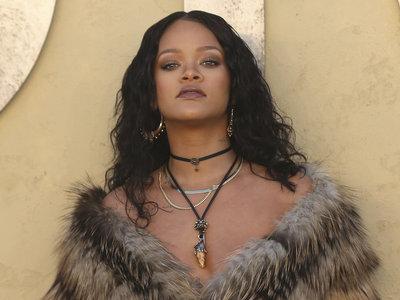 Rihanna se convierte en la estrella invitada del desfile crucero de Dior en pleno desierto de Calabasas