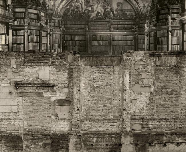 Biblioteca Genoves