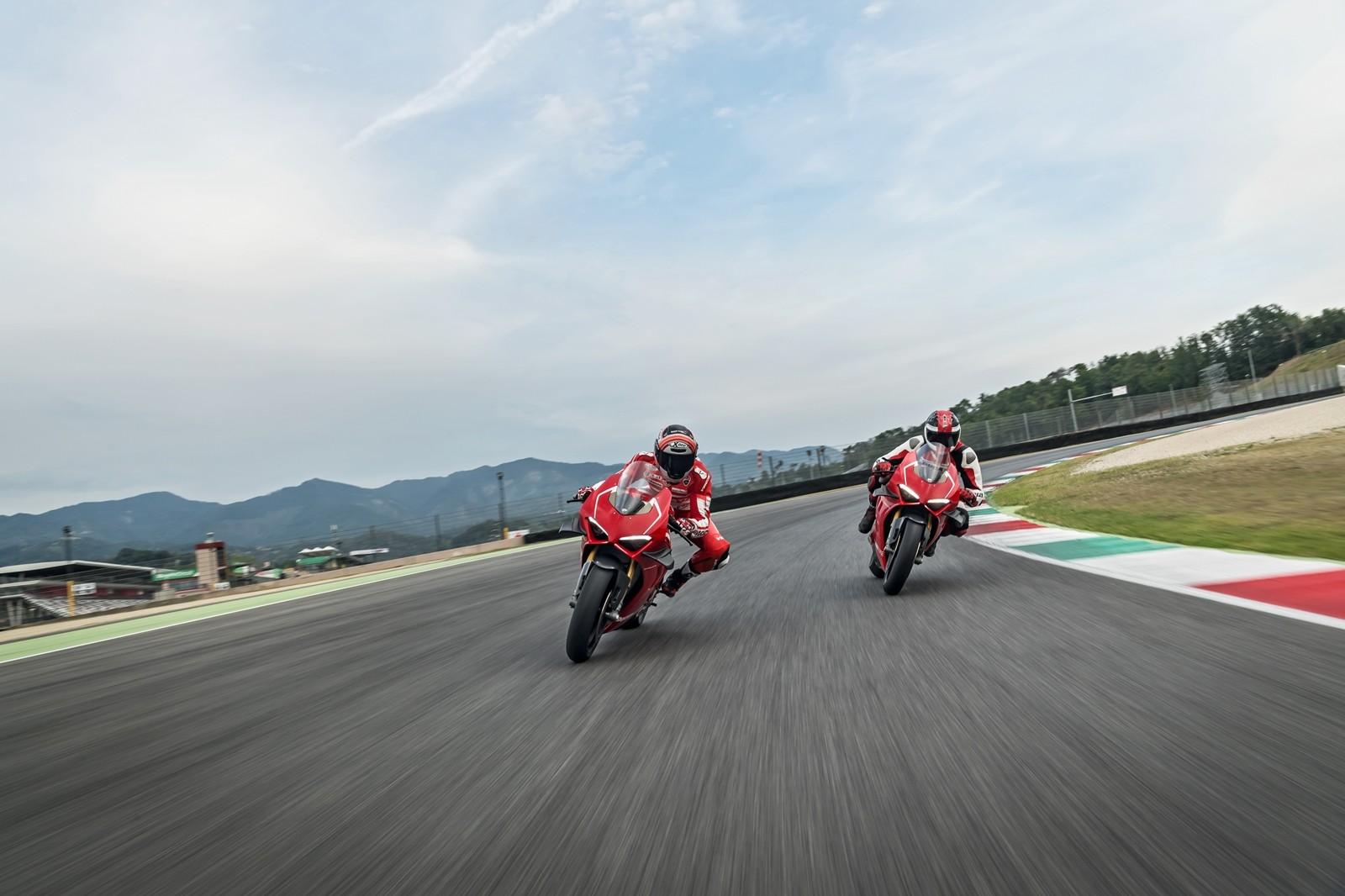 Foto de Ducati Panigale V4 R 2019 (10/87)