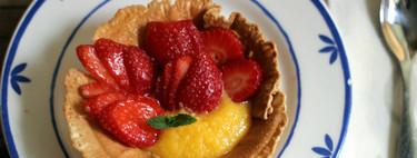 Tartitas de fresas con curd de naranja, un postre listo en 30 minutos