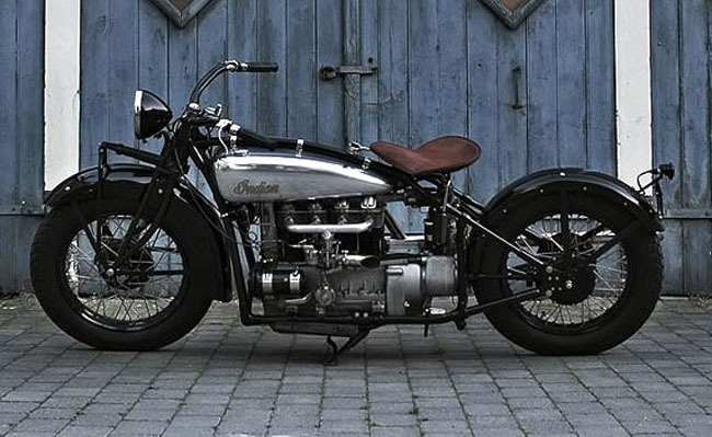 Indian Four réplica