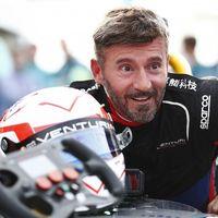 Tras rodar con una Aprilia RSV4 X junto a las MotoGP, ahora Max Biaggi quiere ponerse a 330 km/h con una moto eléctrica
