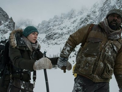 Kate Winslet e Idris Elba luchan por sobrevivir en el intenso tráiler de  'The Mountain Between Us'