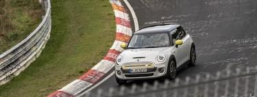 El MINI Electric es un coche eléctrico con capacidad para hacer Nürburgring Nordschleife sin tocar el pedal de freno