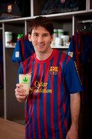 Messi ya puedes ir comprando mini-equipación futbolera para tu criatura